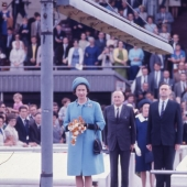 Ascot:  Queen Elizabeth on the red carpet